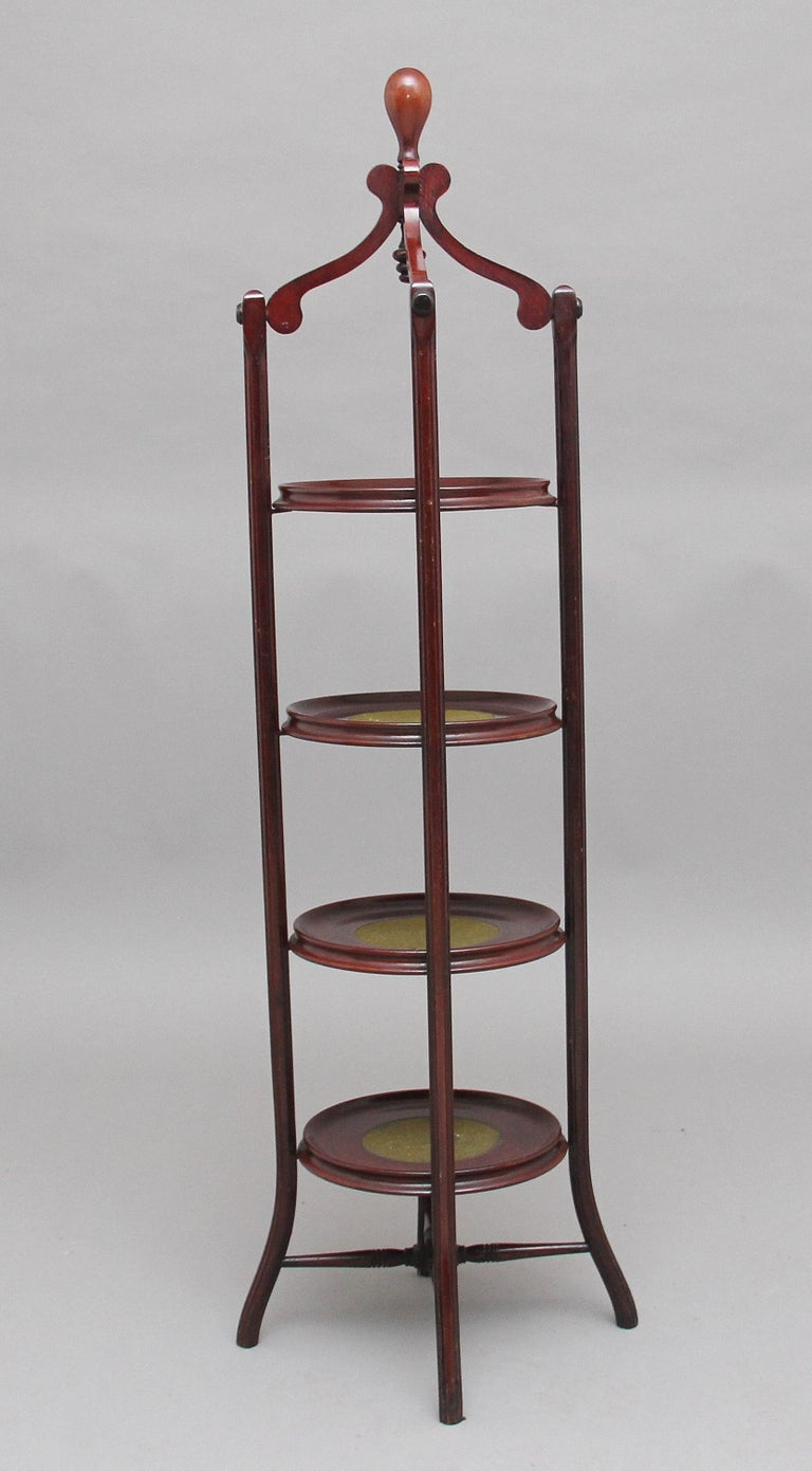 Early 20th Century Mahogany Cake Stand For Sale 1