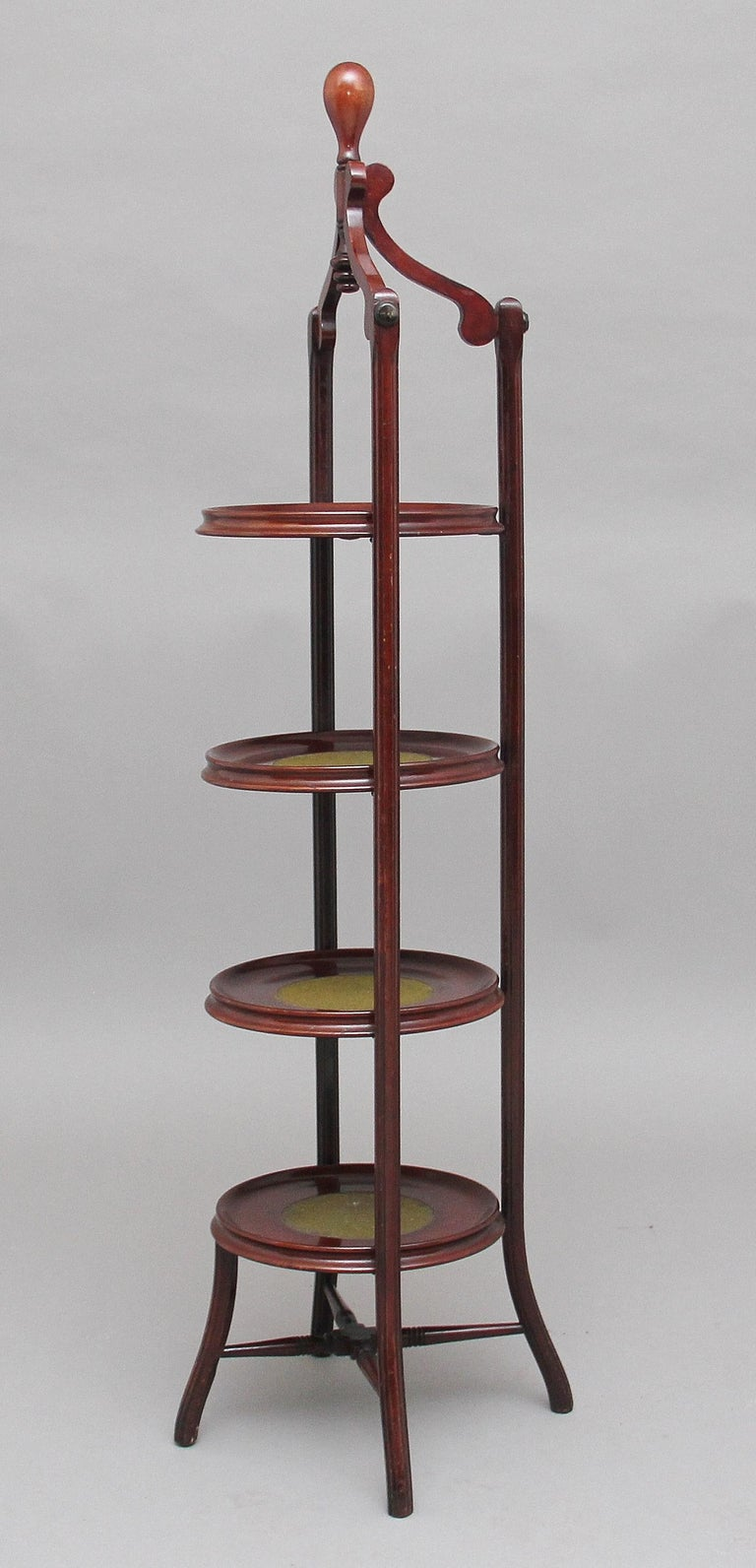 Early 20th Century Mahogany Cake Stand For Sale 2