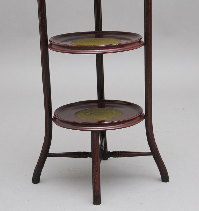 Early 20th Century Mahogany Cake Stand For Sale 4