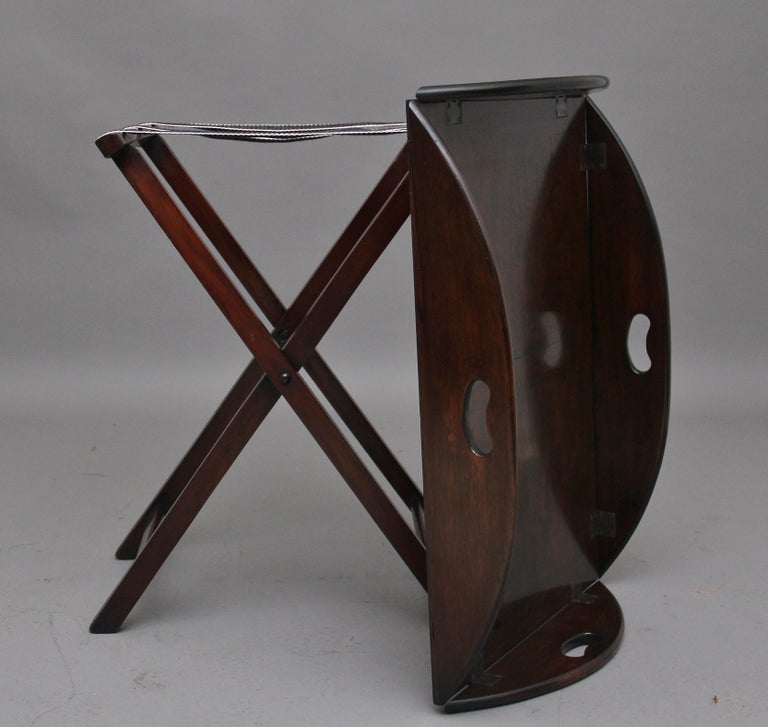Early 20th Century Mahogany Folding Butlers Tray on Stand For Sale 2