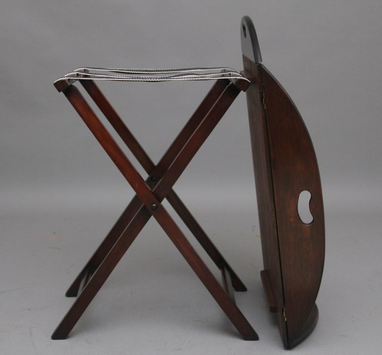Early 20th Century Mahogany Folding Butlers Tray on Stand For Sale 3
