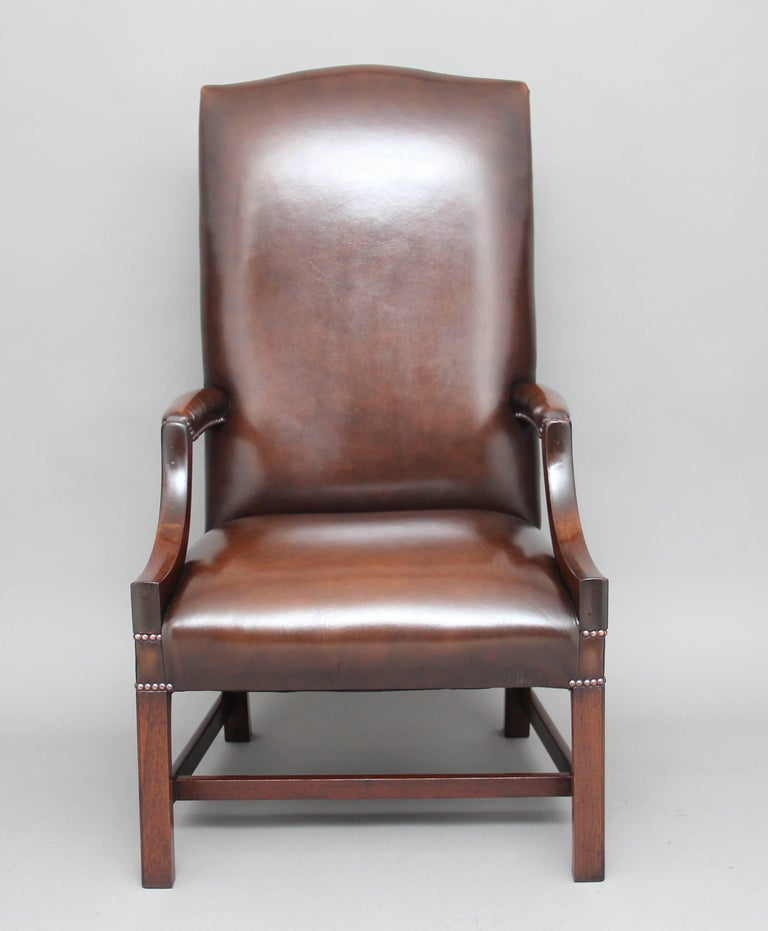 English Early 20th Century Mahogany Library Chair For Sale