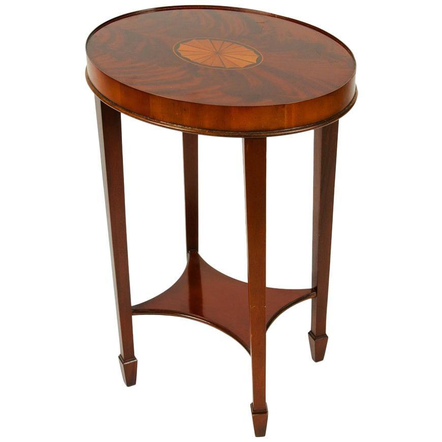Early 20th Century Mahogany Wood Oval Table