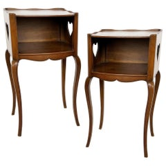 Early 20th Century Pair of French Louis XV Style Commodes/Nightstands