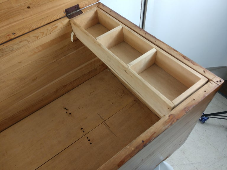 Early 20th Century Pine Blanket Chest For Sale 2