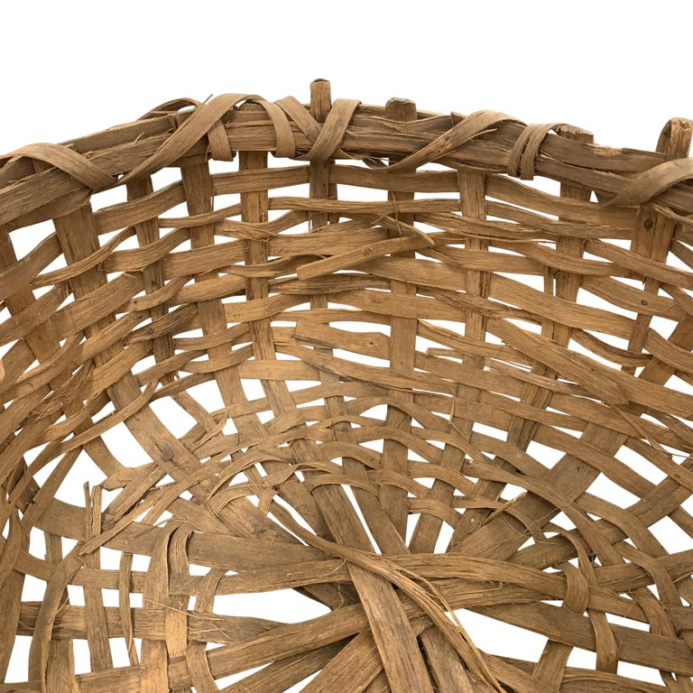 Early 20th Century Primitive Splint Basket In Good Condition For Sale In Chicago, IL