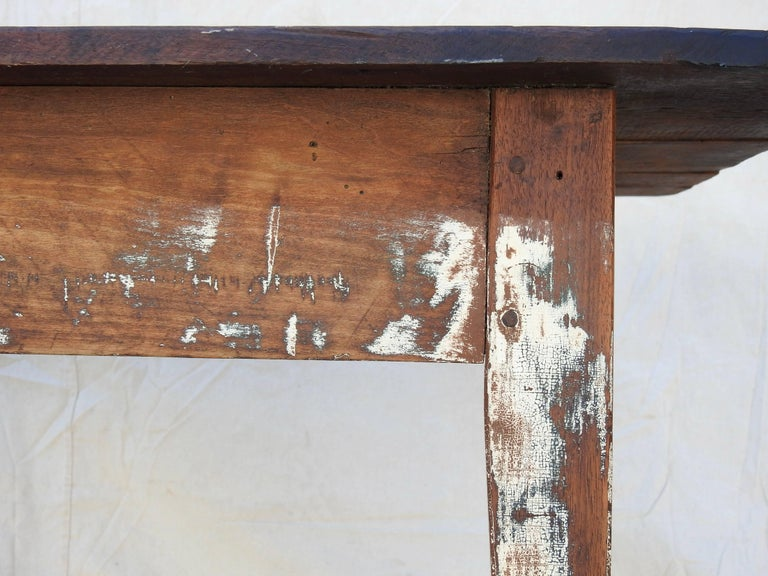 Early 20th Century Primitive Walnut Farm Table In Fair Condition For Sale In Cookeville, TN