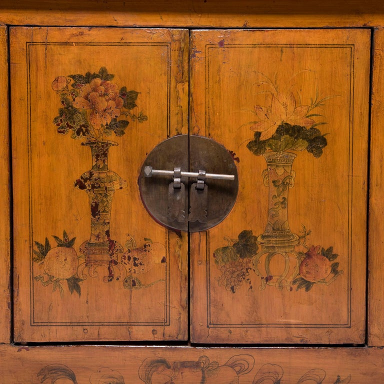 Early 20th Century Chinese Painted Qilin Sideboard For Sale 4