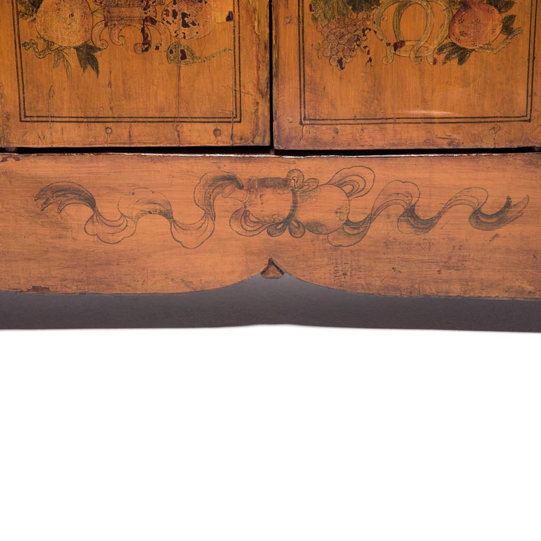 Early 20th Century Chinese Painted Qilin Sideboard For Sale 6