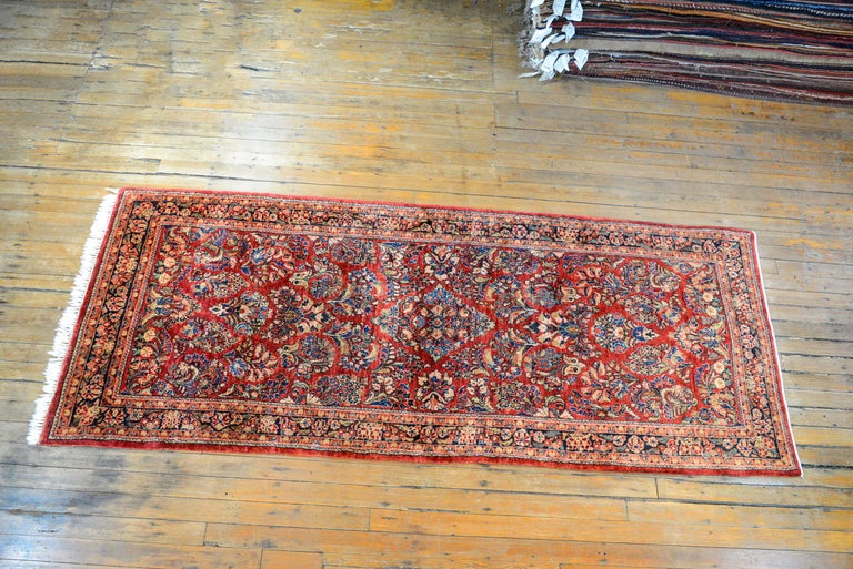 Early 20th Century Sarouk Rug For Sale 4