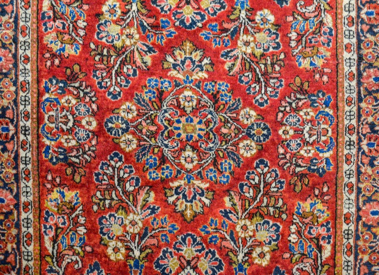 Hand-Woven Early 20th Century Sarouk Rug For Sale