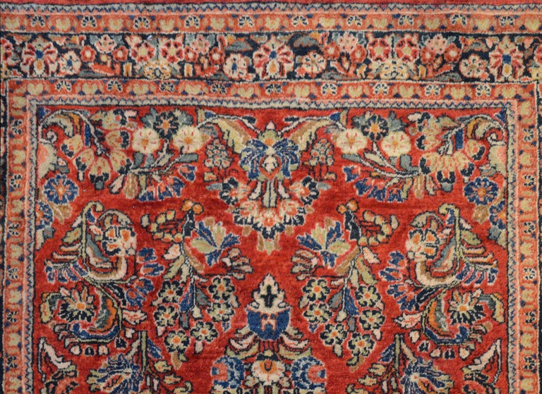 Early 20th Century Sarouk Rug In Good Condition For Sale In Chicago, IL