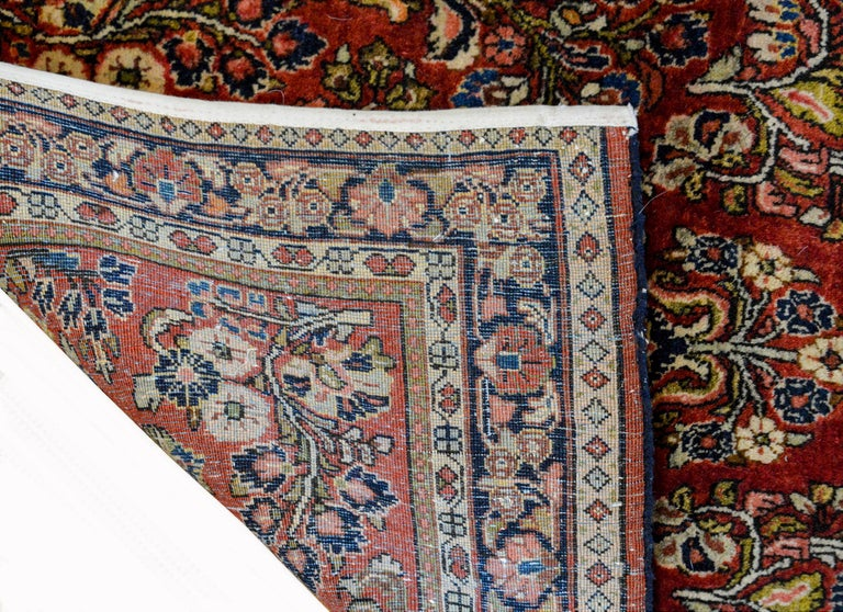 Early 20th Century Sarouk Rug For Sale 1