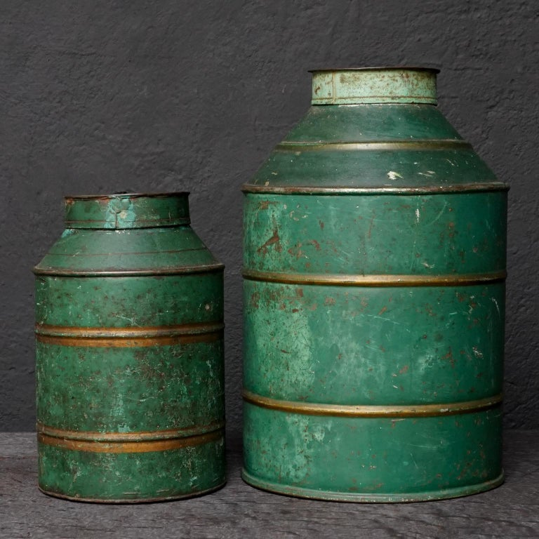 Early 20th Century Set of Eight Dutch Tea Tins For Sale 3