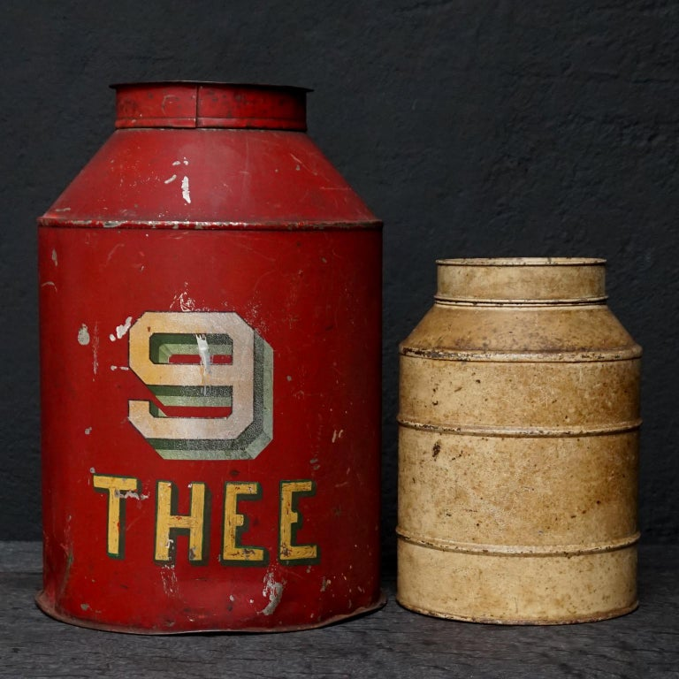 Early 20th Century Set of Eight Dutch Tea Tins For Sale 5