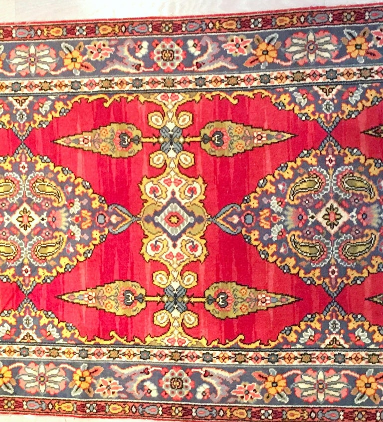 Early 20th Century Silk & Wool Paisley Blossom Rug In Good Condition For Sale In West Palm Beach, FL