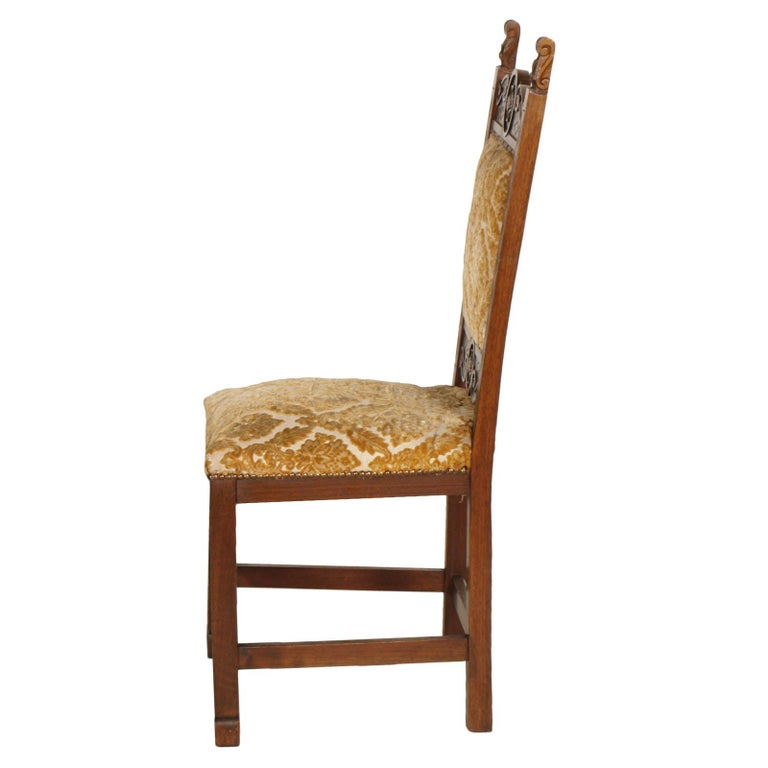 Early 20th Century Six Renaissance Chairs, in Solid Walnut Richly Hand Carved In Good Condition For Sale In Vigonza, Padua
