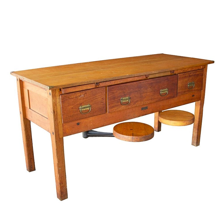 Early 20th Century Tandem Lab Desk In Good Condition For Sale In Aurora, OR
