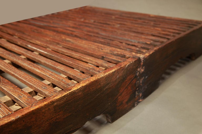 Early 20th Century Two-Piece Korean Summer Wooden Bed In Good Condition For Sale In Point Richmond, CA
