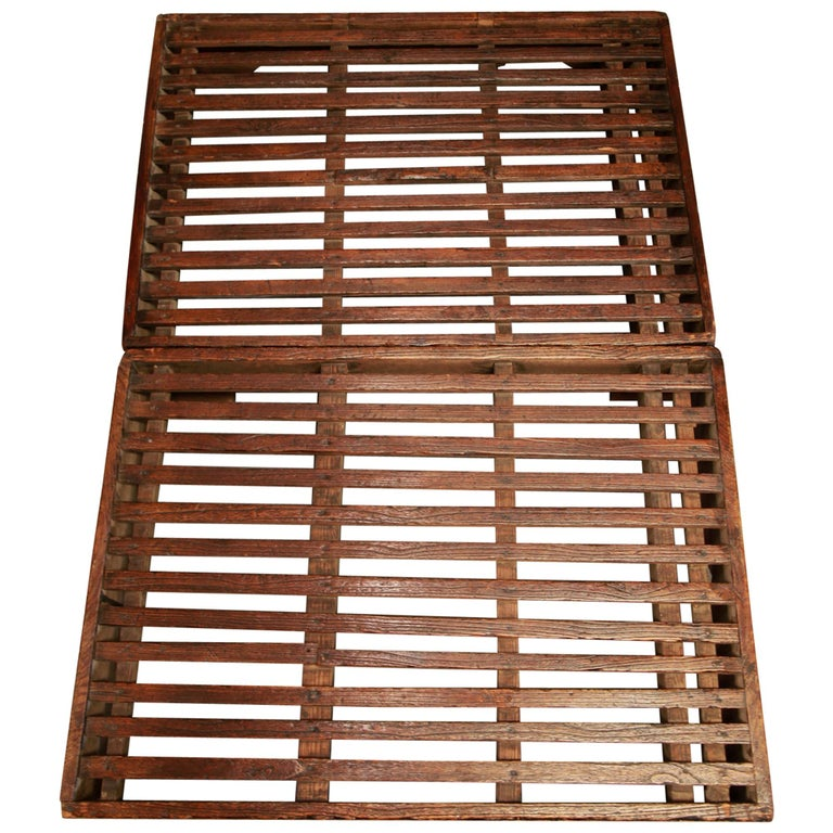 Early 20th Century Two-Piece Korean Summer Wooden Bed For Sale