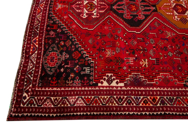 Early 20th Century Vintage Shiraz Wool Rug In Good Condition For Sale In Norwalk, CT