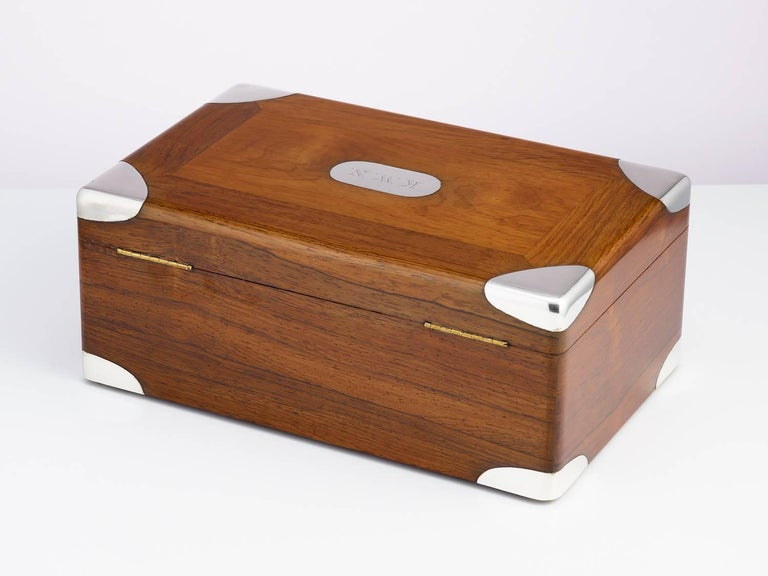 Early 20th Century Walnut Cigar Humidor, circa 1900 with Sterling Silver Corners For Sale 6