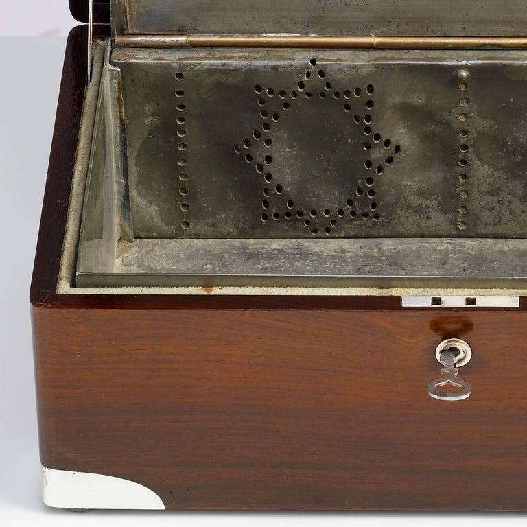 Early 20th Century Walnut Cigar Humidor, circa 1900 with Sterling Silver Corners In Excellent Condition For Sale In London, GB