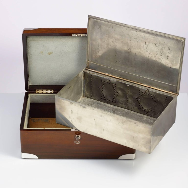 Early 20th Century Walnut Cigar Humidor, circa 1900 with Sterling Silver Corners For Sale 2