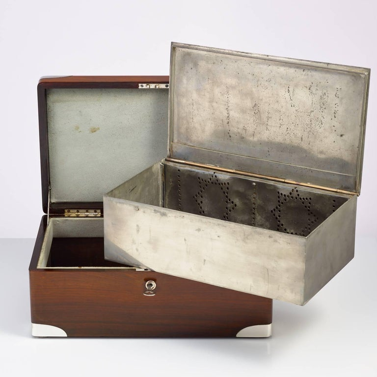 Early 20th Century Walnut Cigar Humidor, circa 1900 with Sterling Silver Corners For Sale 3