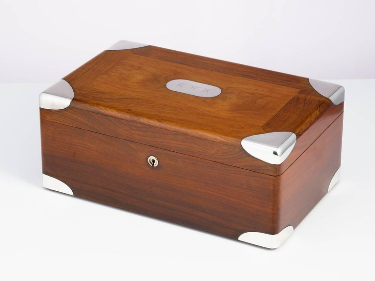 Early 20th Century Walnut Cigar Humidor, circa 1900 with Sterling Silver Corners For Sale 5