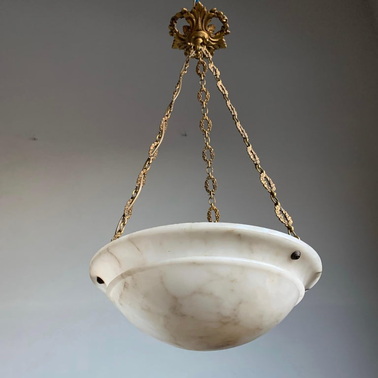 Nice Early 1900 White Alabaster Art Deco Pendant & Stunning Gilt Bronze Chain For Sale 4