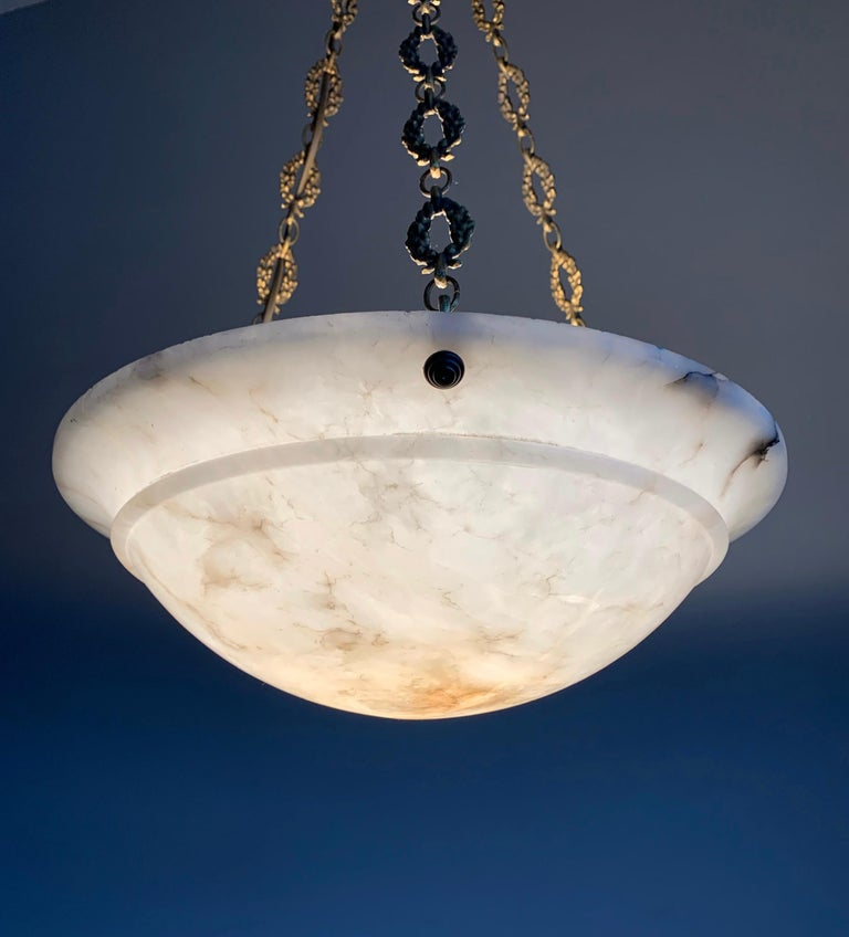 Nice Early 1900 White Alabaster Art Deco Pendant & Stunning Gilt Bronze Chain For Sale 7