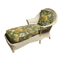 Early 20th Century Wicker Chaise with Green Floral Upholstery and Pillow