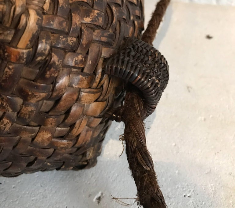 Early 20th Century Woven Thai Basket For Sale 1