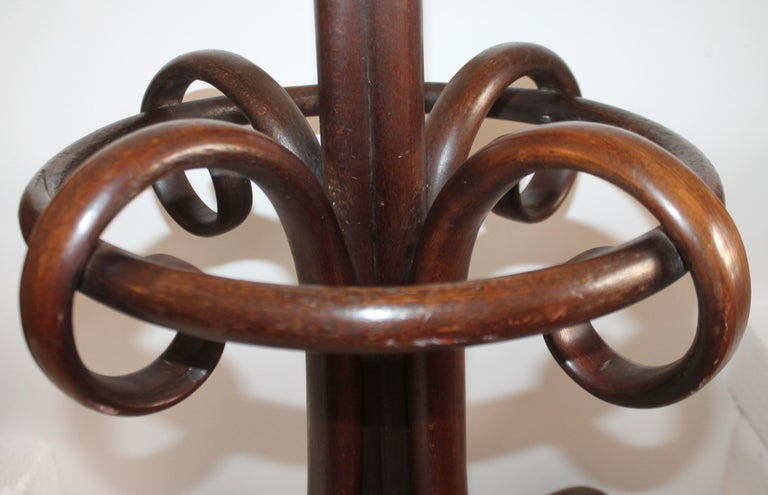 Early 20th Century Bentwood Hat and Coat Rack In Good Condition For Sale In Los Angeles, CA