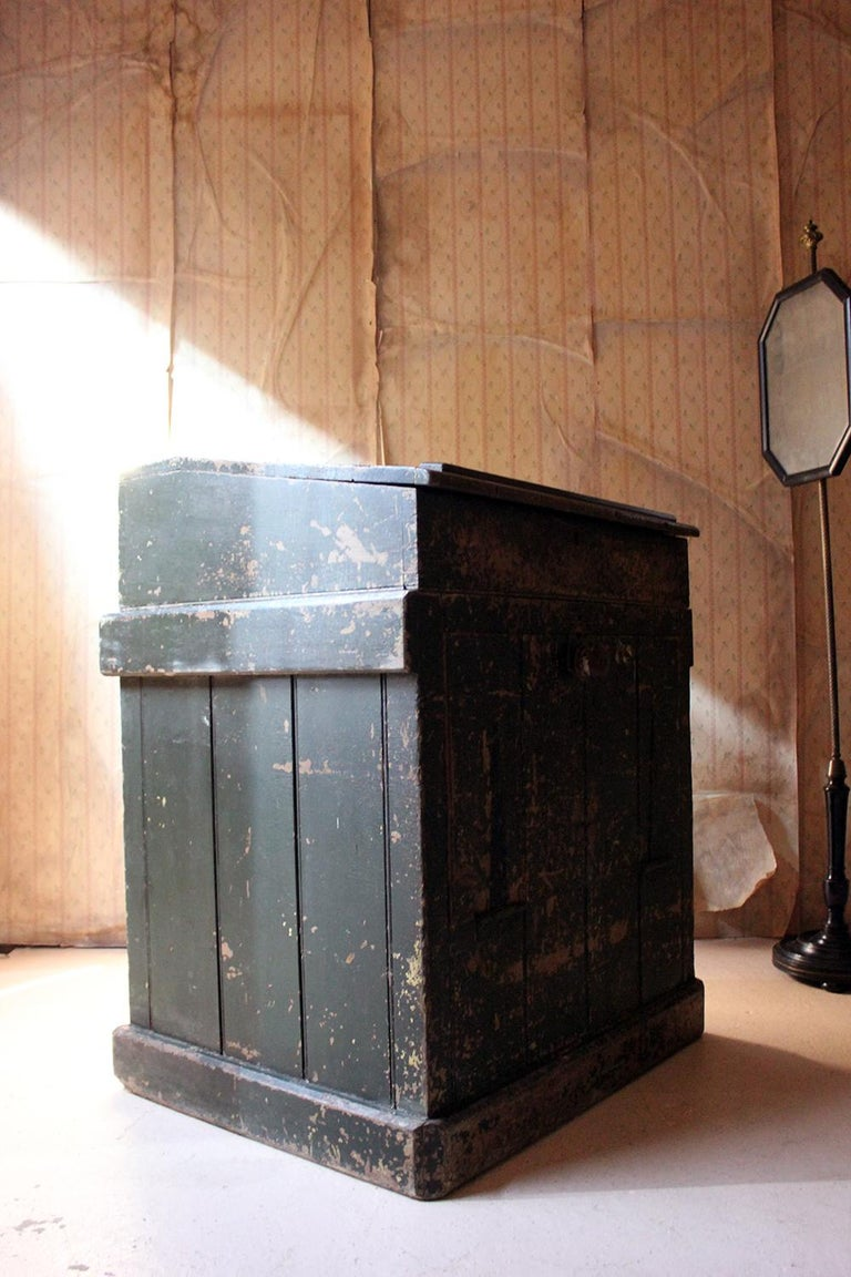 Early 20th Century Green Painted Pine Reception Shop Counter Desk for Harrods For Sale 5