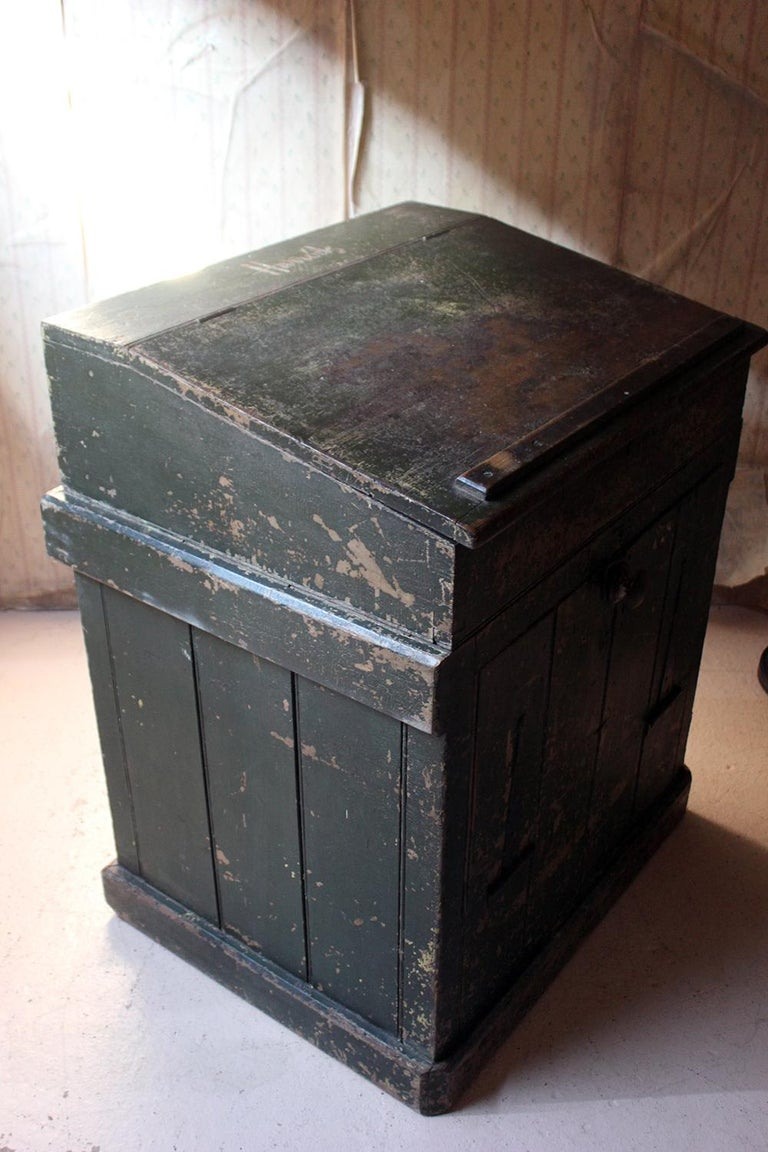 Early 20th Century Green Painted Pine Reception Shop Counter Desk for Harrods For Sale 1