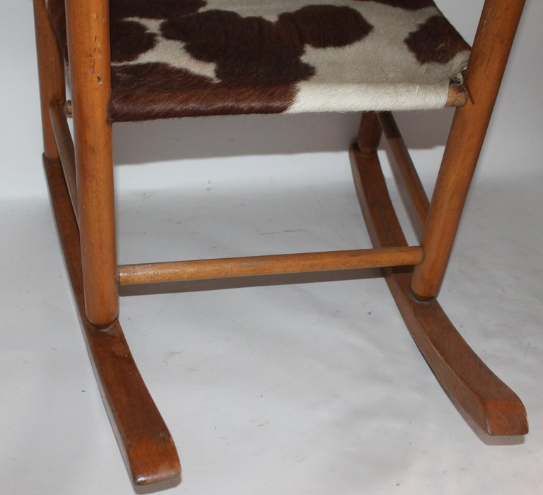 Early 20th Century South West Rocking Chair in Cowhide Seat For Sale 3