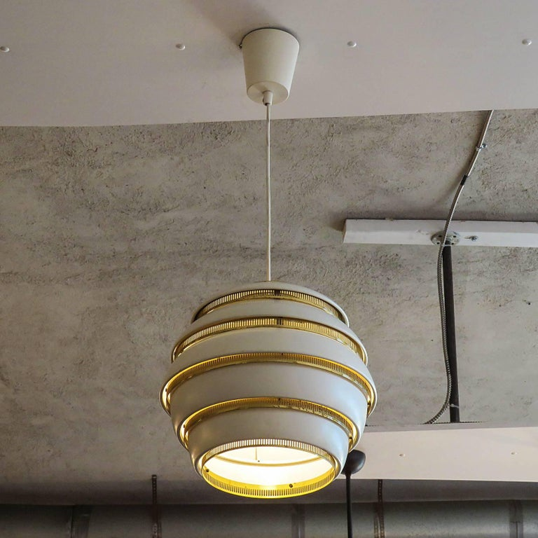 Mid-20th Century Early Alvar Aalto A331 Beehive Pendant For Sale
