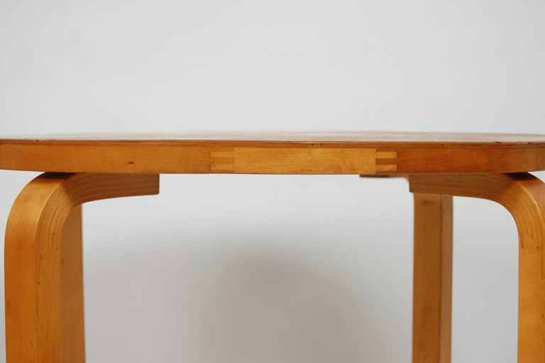 Early Production Alvar Aalto Side Table by Finmar Scandinavian Modern In Good Condition For Sale In San Francisco, CA