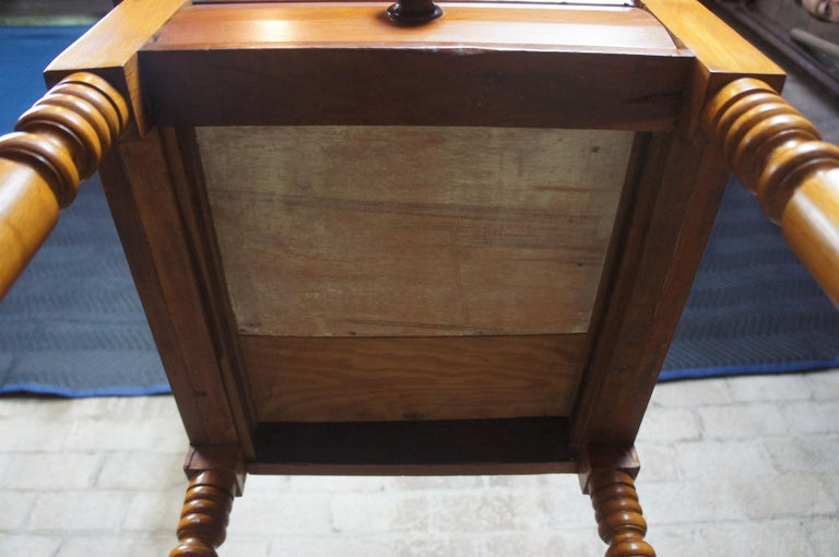 Early American 19th Century Primitive Antique Cherry Side Accent End Table For Sale 3