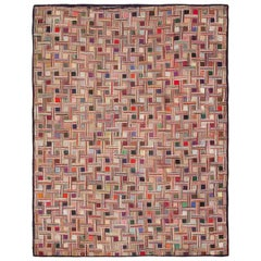 Early American Hooked Rug. Size: 8 ft 7 in x 12 ft 6 in (2.62 m x 3.81 m)
