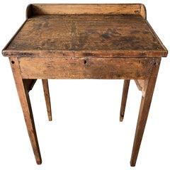 Early American Raise Top School Desk