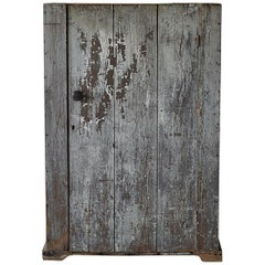 Early American Rustic Single Door Cabinet