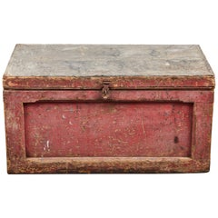Early American Rustic Trunk with Zinc Top