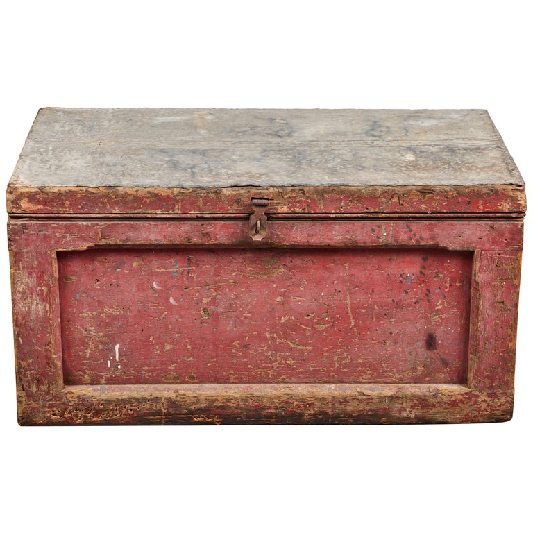 Early American Rustic Trunk with Zinc Top For Sale