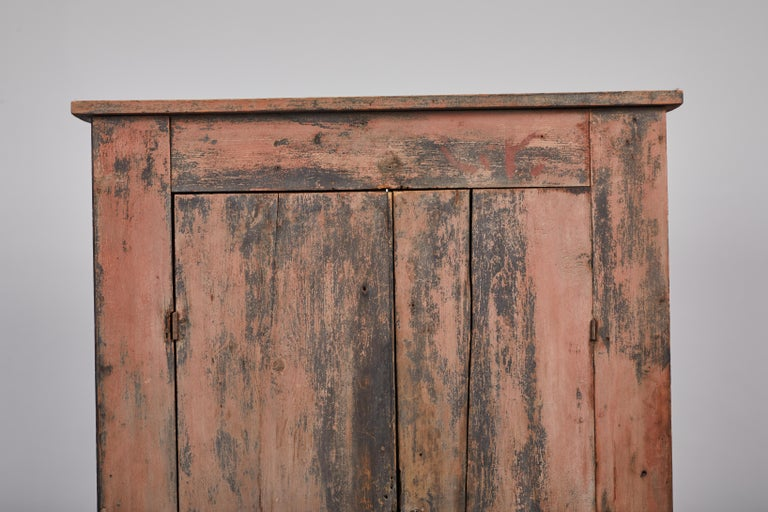 Early American Rustic Two-Door Cabinet In Fair Condition For Sale In Los Angeles, CA