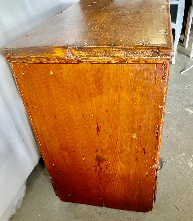 Early American Tall Blanket Chest with One Drawer For Sale 1