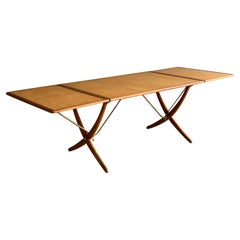 Early and Uncommon Variation Hans J. Wegner AT-304 Dining Table