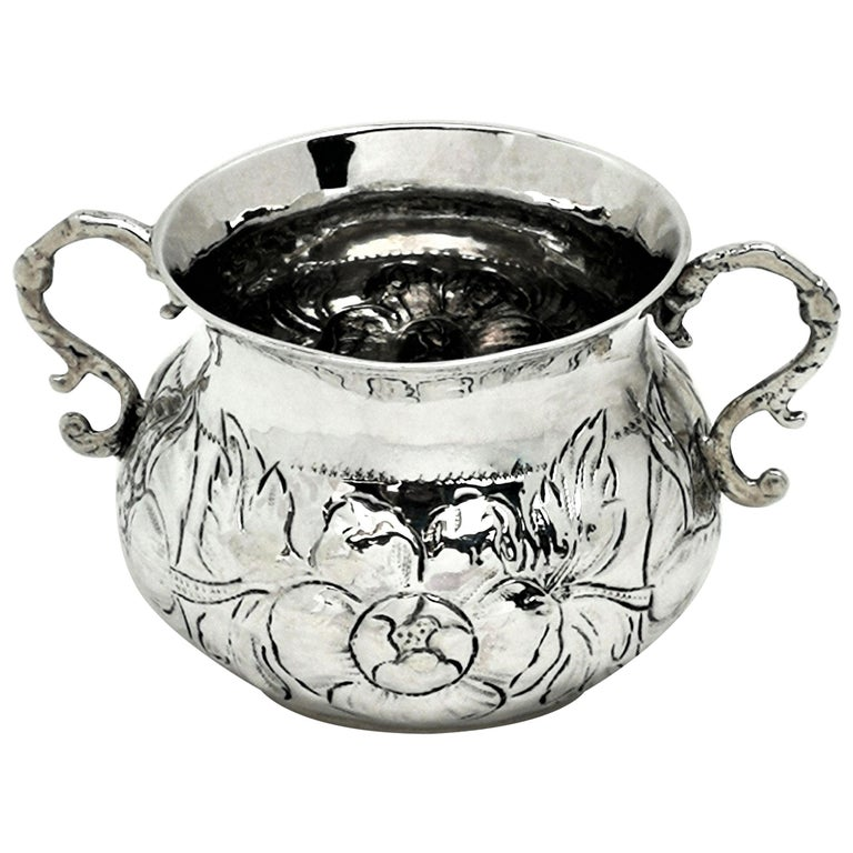 Early Antique Charles II Sterling Silver Porringer / Two Handled Cup 1675 For Sale